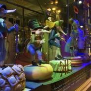 3D-шоу на фасаде магазина купцов Елисеевых фотографии