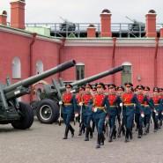 Церемония развода почетного караула в Петропавловской крепости 2021 фотографии