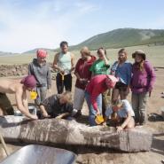 Выставка «Следы древних путников: менгиры, оленные камни, херексуры…» фотографии
