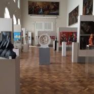 Выставка «Мир спасет любовь» фотографии