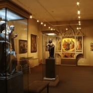 Выставка «Женские образы в религиях Востока» фотографии