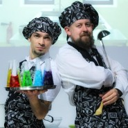 Научное шоу для детей и взрослых «Гастрономический дивертисмент: Первое, второе и компот!» фотографии