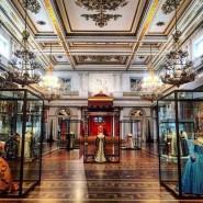Открытие нового открытого хранения «Галерея костюма» фотографии