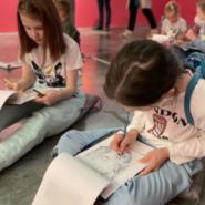 """Детские экскурсии на выставке """"Энди Уорхол и русское искусство"""" в Севкабель Порту фотографии"""