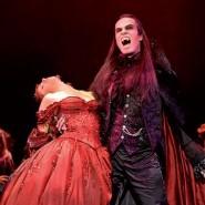 Флешмоб «Бал вампиров» на «Книжных аллеях» фотографии