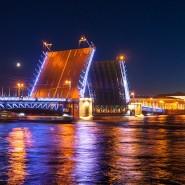 Дворцовый мост разведут под музыку Виктора Цоя фотографии