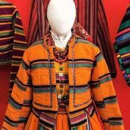 Выставка «Хороша одёжка в клетку и в полоску хороша» фотографии