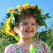 Детский мастер-класс «Весенний головной убор с объёмными цветами» фотографии