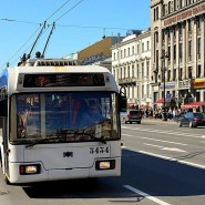 Парад троллейбусов на Дворцовой площади 2016 фотографии