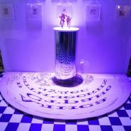 Выставка-иллюзия «Алиса в Стране чудес» фотографии