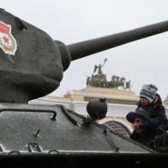 Выставка исторической техники «Машины Победы на Дороге Жизни» фотографии