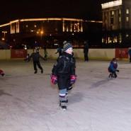 Открытый каток на Московской площади фотографии