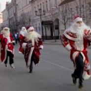 Забег дедов Морозов на Дворцовой площади 2017 фотографии