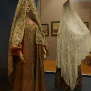 Выставка «Платки и шали в России XVIII–XXI веков» фотографии
