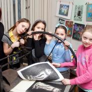 Выставка «Школа искусств» фотографии