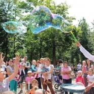 Фестиваль мыльных пузырей в парке Сказок 2019 фотографии