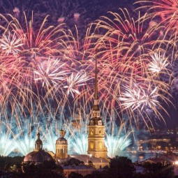 Праздничный салют на 9 мая в Санкт-Петербурге 2020