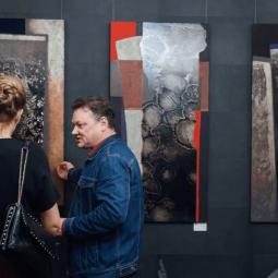 Выставка «Цветопоэтика»