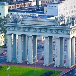Праздничная феерия: Московским триумфальным воротам 180 лет