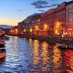 Ночная прогулка под разводными мостами по рекам и каналам Петербурга