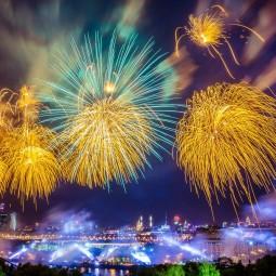 Салют в день снятия блокады Ленинграда 2017