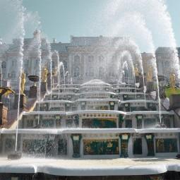 Торжественный пуск фонтанов в Петергофе 2017