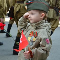 Парады под окнами ветеранов пройдут в Петербурге