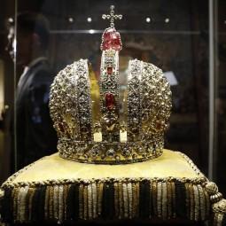 Выставка «Корона Российской империи»