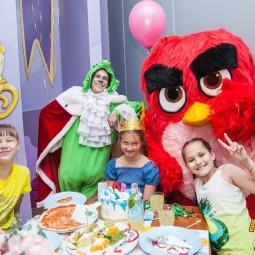 Акция «Скидка на детский билет для именинников в Angry Birds Activity Park»