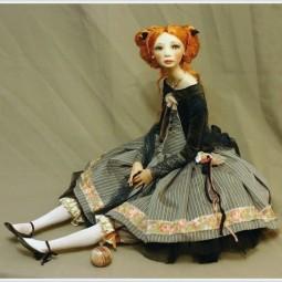 Выставка  «Игра в куклы»