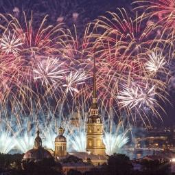 Салют в честь освобождения Ленинграда от блокады 2018