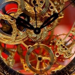 Выставка «Часовое искусство. Часы XVI — XVII веков в собрании Эрмитажа»