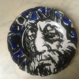 Выставка «Соло на тарелках»
