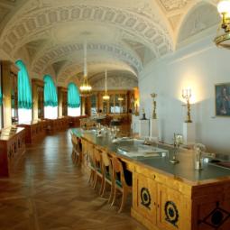 Выставка «Раритеты Большой дворцовой библиотеки. Книги. К 200-летию библиотеки Росси»