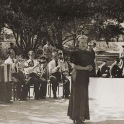 Выставка «Джаз-оркестры Скоморовских на Ленинградском фронте