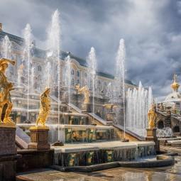 Автобусная экскурсия «Петергоф + фонтаны»