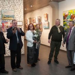 Выставка живописи «Женский взгляд – цвет радости»
