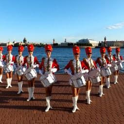 Праздничный парад духовых оркестров и оркестров барабанщиков