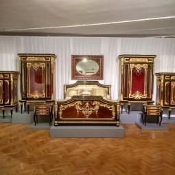 Выставка «Тайны дворцовых интерьеров. Секреты реставрации»