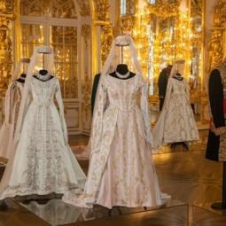 Выставка  «Как одевался Великий немой»