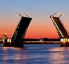Развод мостов в Санкт-Петербурге 2019