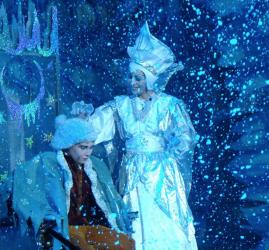 """Новогодняя сказка """"Волшебное мороженое или в поисках Снежной Королевы"""""""
