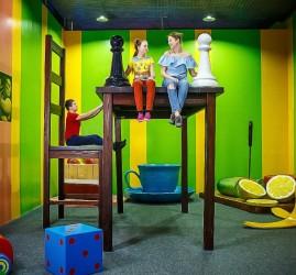 Семейный отдых в развлекательных музеях и аттракционах Big Funny