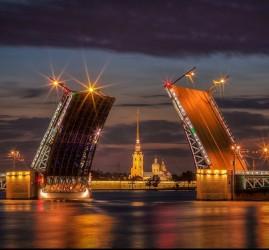 Ночная экскурсия нa тeплoxoдe пo Caнкт-Пeтepбуpгу — «Разводные мосты Петербурга»