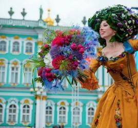Фестиваль в честь Всемирного дня туризма в Санкт-Петербурге 2021