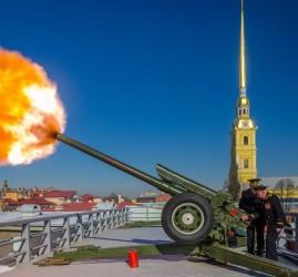 Полуденный выстрел в Петропавловской крепости