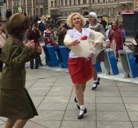 Уличная патриотическая акция «Танцующий Ленинград» 2019