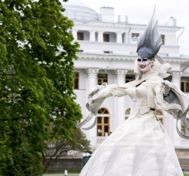 Фестиваль уличных театров  «Елагин парк» 2019