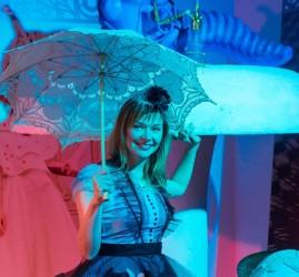 Выставка-иллюзия «Алиса в Стране чудес»
