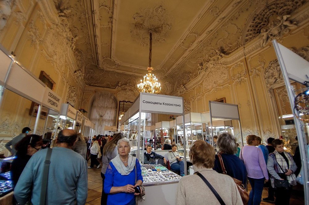 Ювелирная выставка-продажа «Сокровища Петербурга» водворце княгини Юсуповой